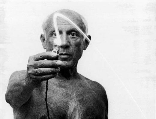 Picasso dibuja con luz